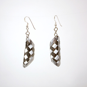 Round pair of silver earrings