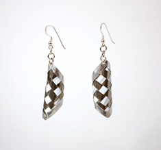 Round pair of earrings silver