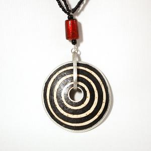 Circles ostrich egg necklace