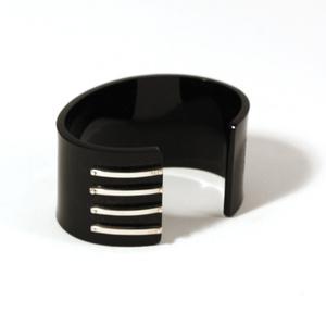 Armband för män 4 silver strips, svart 40 mm