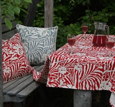 Botanical Zebra Tablecloth, Laquor red