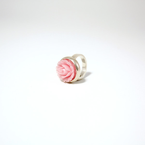 Ring in silver with pink rose